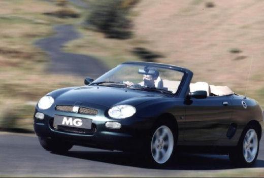 MG F I roadster czarny przedni lewy