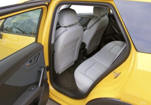 AUDI Q2 hatchback wnętrze