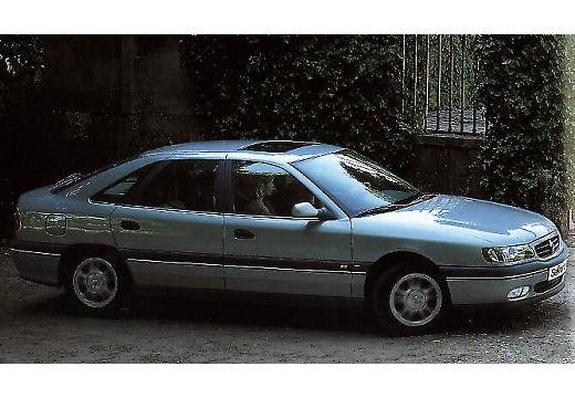 RENAULT Safrane hatchback boczny prawy