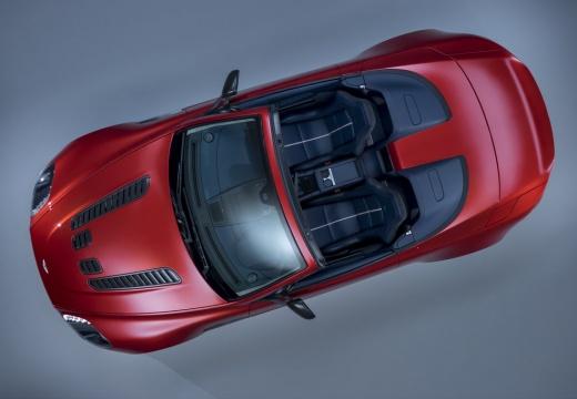 ASTON MARTIN Vantage roadster czerwony jasny górny przedni