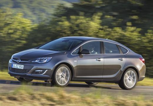 OPEL Astra IV sedan silver grey przedni lewy