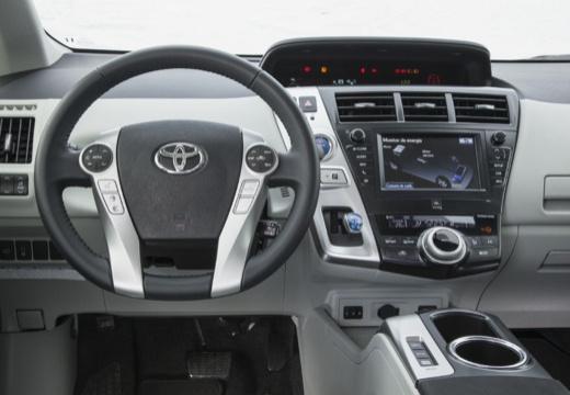 Toyota Prius kombi biały tablica rozdzielcza
