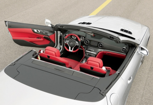 MERCEDES-BENZ Klasa SL roadster wnętrze