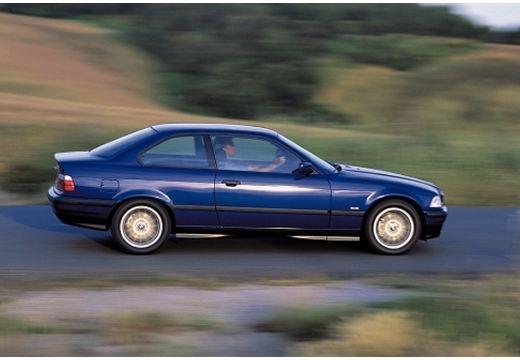 BMW Seria 3 E36 coupe niebieski jasny boczny prawy