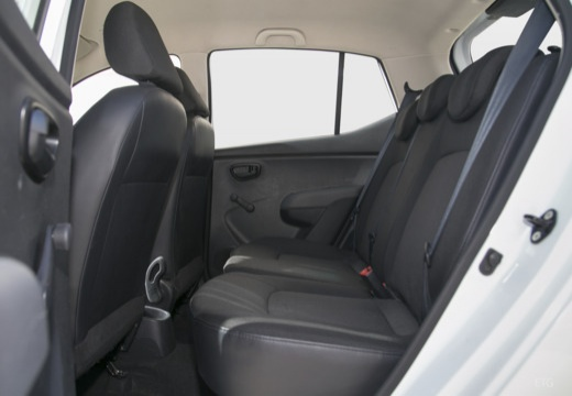 HYUNDAI i10 II hatchback wnętrze