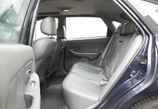 HYUNDAI Elantra II hatchback wnętrze