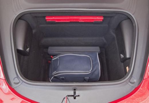 PORSCHE Boxster 981 roadster przestrzeń załadunkowa