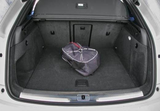 AUDI Q3 II kombi przestrzeń załadunkowa