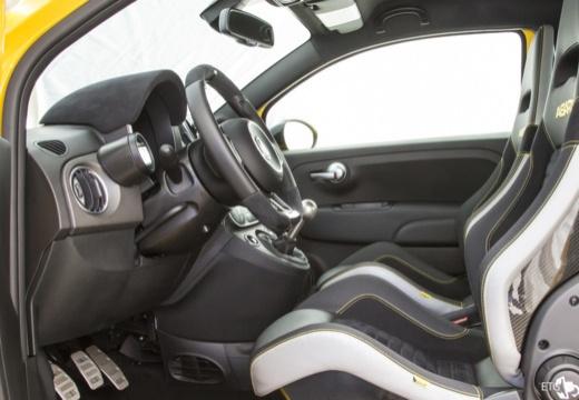 ABARTH 500 hatchback żółty wnętrze
