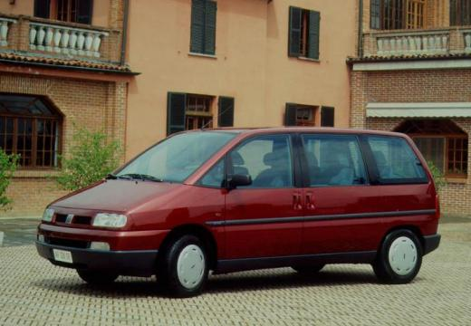 FIAT Ulysse I van czerwony jasny przedni lewy