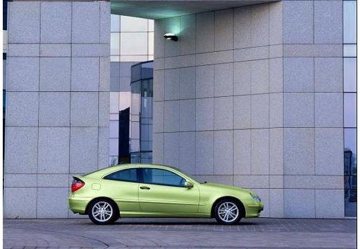 MERCEDES-BENZ Klasa C Sport CL203 I coupe zielony jasny boczny prawy