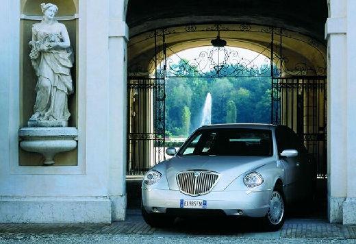 LANCIA Thesis sedan silver grey przedni lewy
