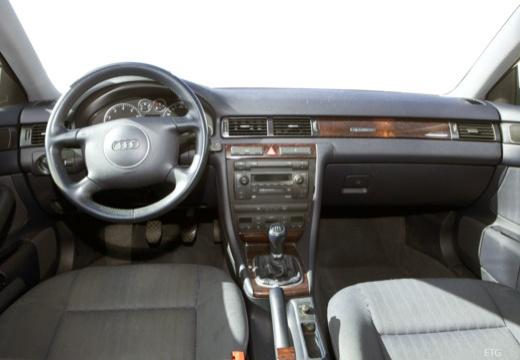 AUDI A6 /S6 Avant 4B II kombi tablica rozdzielcza
