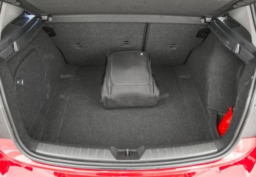 BMW Seria 1 F20 I hatchback przestrzeń załadunkowa