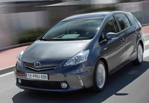 Toyota Prius + I kombi silver grey przedni lewy