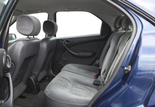 CITROEN Xsara II hatchback wnętrze