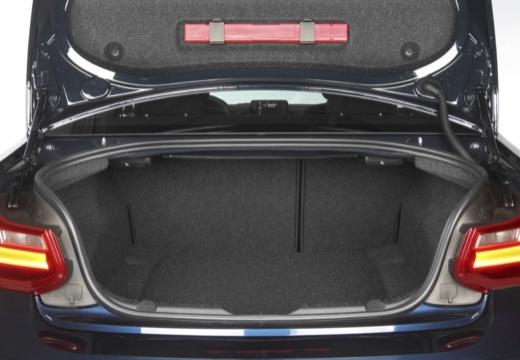 BMW Seria 2 F22 I coupe przestrzeń załadunkowa