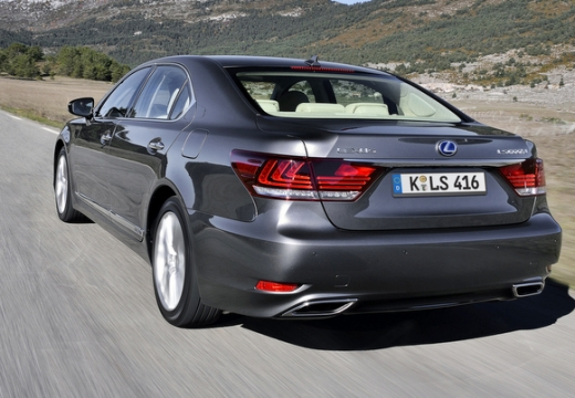 LEXUS LS III sedan silver grey tylny lewy