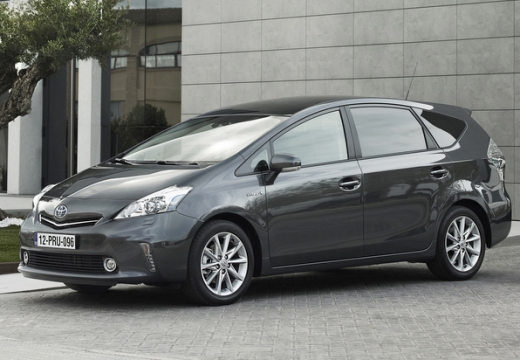 Toyota Prius kombi silver grey przedni lewy