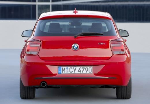 BMW Seria 1 F20 I hatchback czerwony jasny tylny