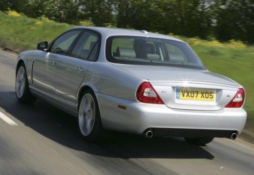 JAGUAR XJ V sedan silver grey tylny lewy