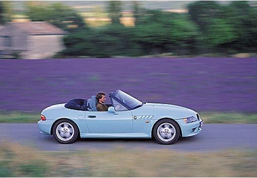 BMW Z3 roadster niebieski jasny boczny prawy