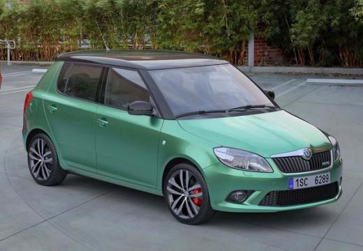 SKODA Fabia II II hatchback zielony przedni prawy