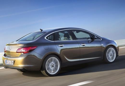 OPEL Astra IV sedan silver grey tylny prawy