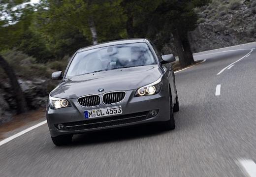 BMW Seria 5 E60 II sedan brązowy przedni lewy