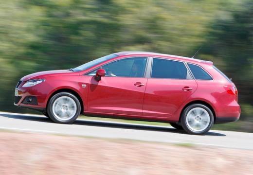 SEAT Ibiza ST I kombi czerwony jasny boczny lewy