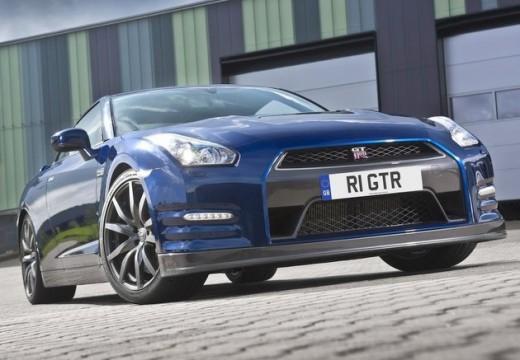 NISSAN GT-R coupe niebieski jasny przedni prawy