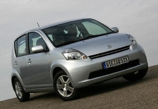 DAIHATSU Sirion 1.3 Hatchback III 87KM (benzyna)