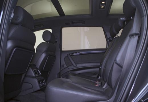 AUDI Q7 kombi wnętrze
