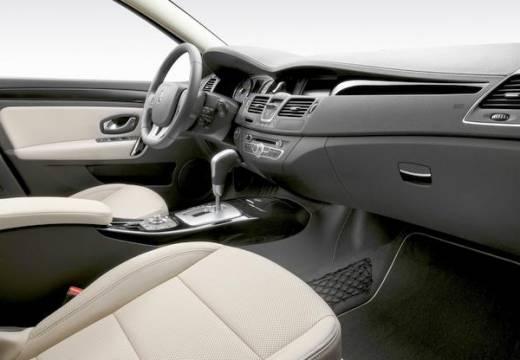 RENAULT Laguna III II hatchback wnętrze