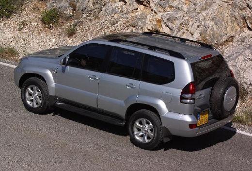 Toyota Land Cruiser 120 kombi silver grey tylny lewy