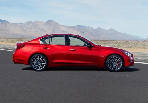 INFINITI Q50 sedan czerwony jasny boczny prawy
