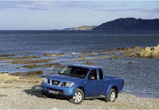 NISSAN Navara pickup niebieski jasny przedni lewy