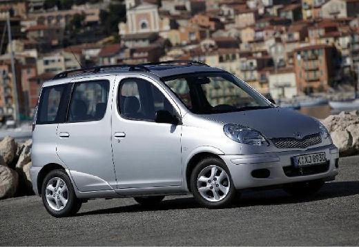 Toyota Yaris Verso 1.4 D-4D Kombi II 75KM (diesel)