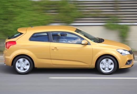 KIA Ceed Proceed III hatchback żółty boczny prawy