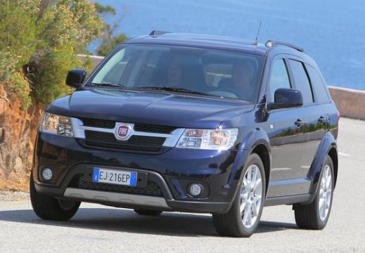 FIAT Freemont van czarny przedni lewy
