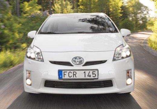 Toyota Prius II hatchback biały przedni