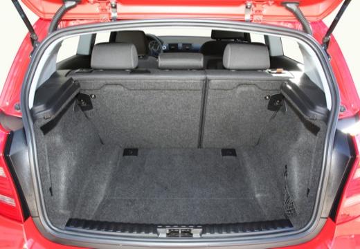 BMW Seria 1 E81 hatchback przestrzeń załadunkowa