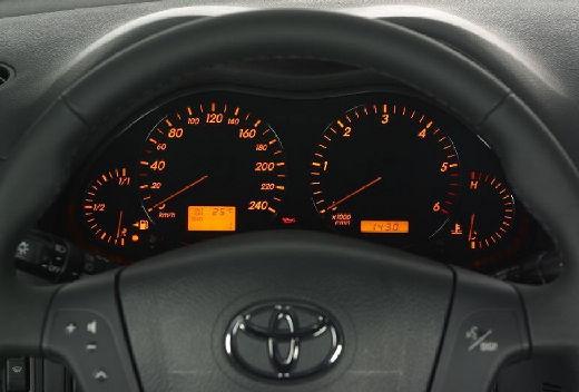 Toyota Avensis Liftback III hatchback tablica rozdzielcza
