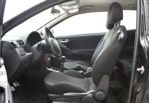 FIAT Stilo II hatchback czarny wnętrze