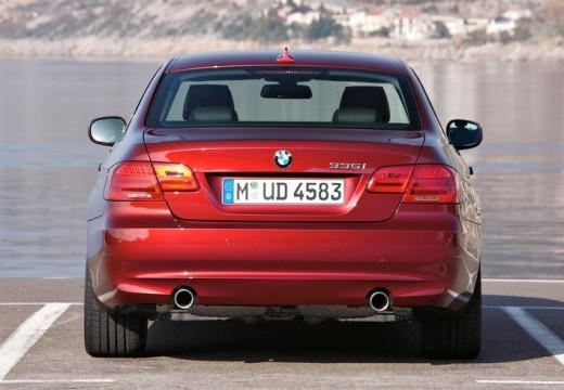 BMW Seria 3 E92 II coupe czerwony jasny tylny