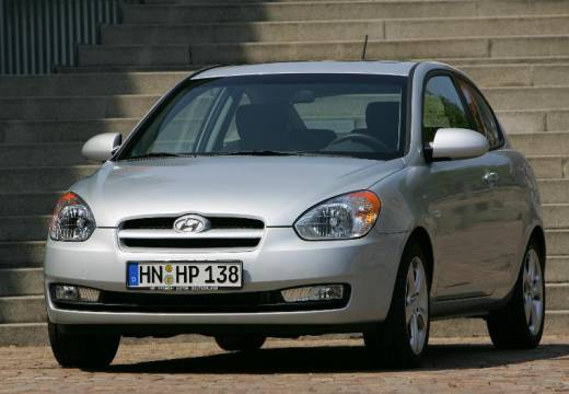 HYUNDAI Accent 1.6 Style Hatchback IV 112KM (benzyna)