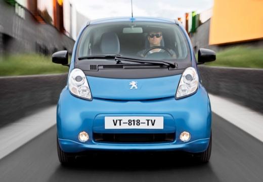 PEUGEOT iOn hatchback niebieski jasny przedni