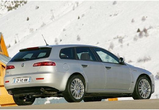 ALFA ROMEO 159 Sportwagon kombi silver grey tylny prawy