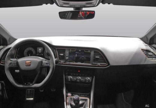 SEAT Leon hatchback tablica rozdzielcza