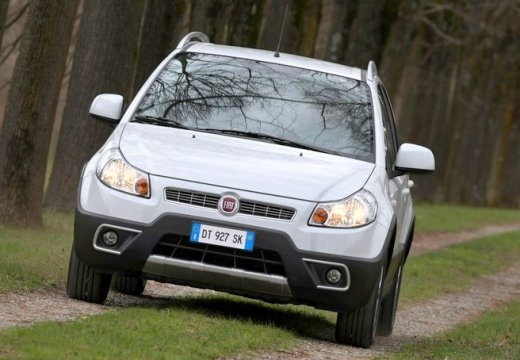 FIAT Sedici II kombi biały przedni